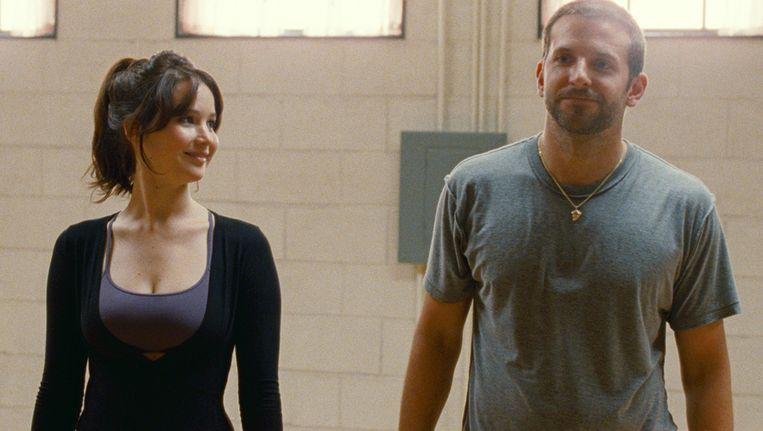 Jennifer Lawrence en Bradley Cooper in Silver Linings Playbook Beeld ap