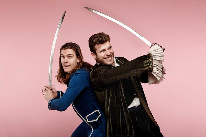 Het Prinsensprookje: links Tim Schouten als prins Harrie, ernaast Joshua Albano als zijn vriend Gijs.