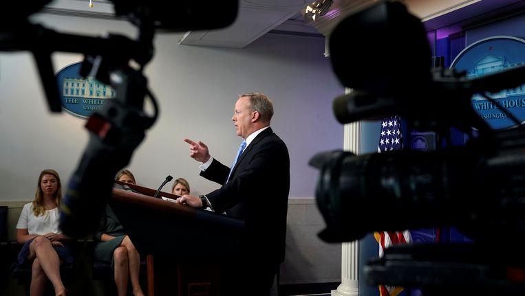Witte Huis-woordvoerder Sean Spicer vanavond in de perszaal van het Witte Huis.
