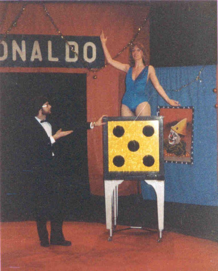 Luc met zijn assistente in het circus