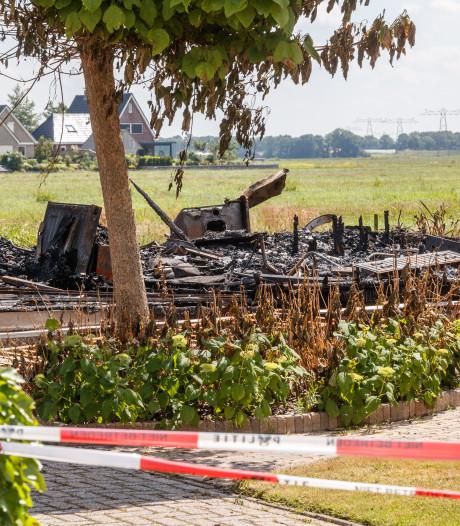 Politie gaat uit van brandstichting bij chalet in Vollenhove
