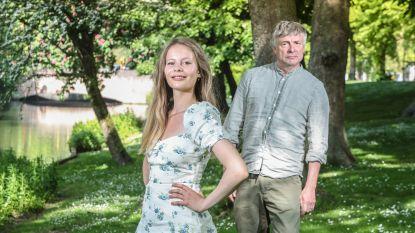 """Aurelie Zeebroek (17) treedt voorzichtig in voetsporen van papa Kamagurka (64): """"Druk van 'dochter van' zorgt voor ambitie"""""""