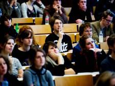 Evaluatie leenstelsel: geen 'leenangst' bij studenten, middeninkomens hardst geraakt