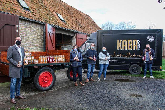 Appelmoes en appelsap van de stad en het OCMW gaat naar De Kaba.