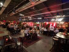 Op bezoek bij restaurant Tante Leentje: werkt 'Amsterdams sfeertje' in Twente?