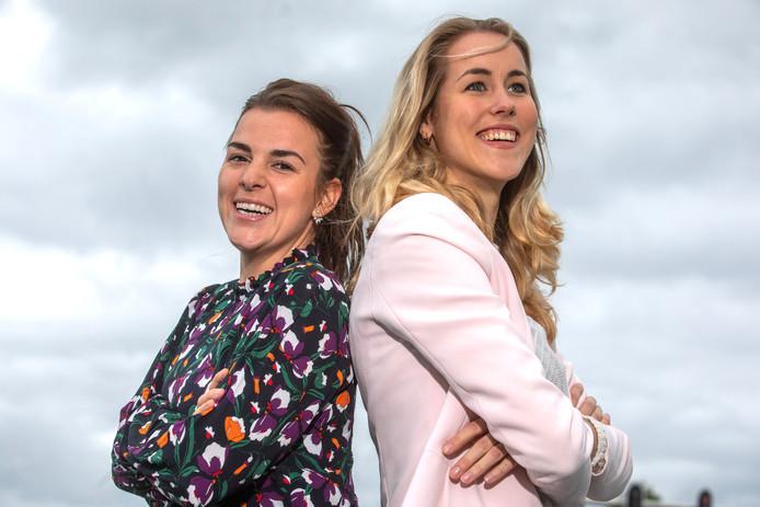 Dankzij gesprekken met hun vrienden kwamen Tess Wemeijer (links) en Loes Hegeman op het idee voor een handboek over de vagina.