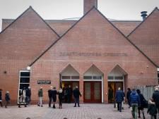 Tweehonderd gelovigen in kerk Barneveld tegen advies kabinet in