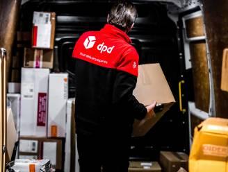 Pakjesbezorger graait smartphone van bureau van medewerker UGent