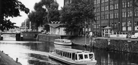 In 1966 deed de rondvaartboot nog een écht rondje om de stad
