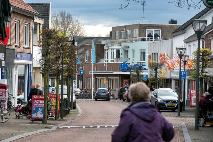 Winkelen op de Groenestraat in Rheden. In de toekomst ook op zondagochtend?
