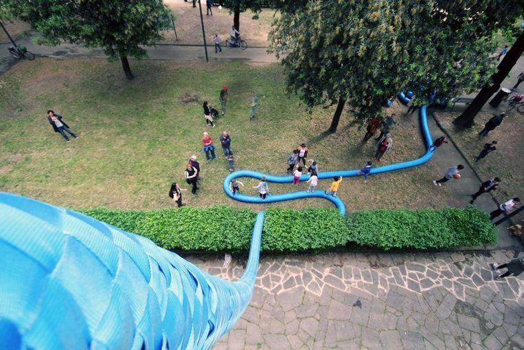 Het kunstwerk 'Rope' was ook al in Leuven te zien. De benedenstad werd toen verbonden met de heuvels rond Leuven.