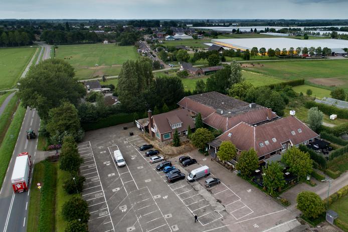 Voormalig partycentrum De Heeren van Suylighem aan de Maas-Waalweg in Zuilichem.