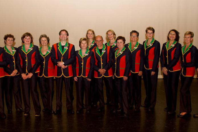Het personeel van De Blauwe Kei in Veghel, in tenue.