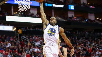 NBA: Golden State wint topper in Houston, Oklahoma City verslaat Clippers
