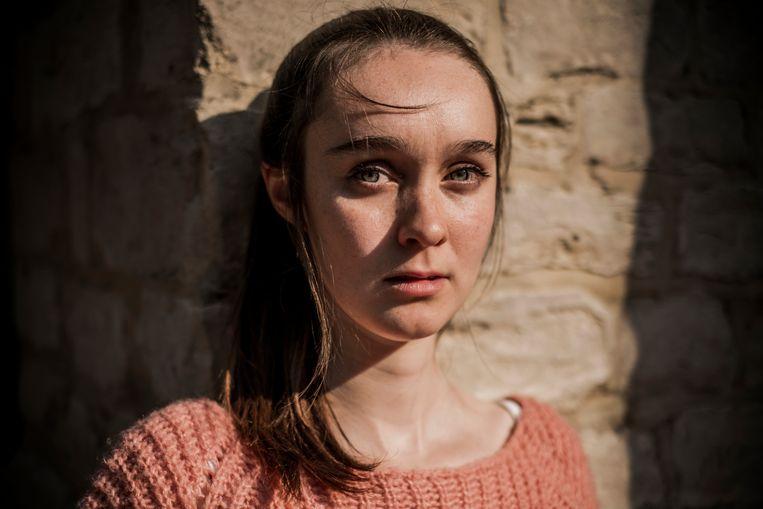 Emma Verlinden: 'Na de eerste uitzending stuurde iemand me een berichtje: 'Ik heb je dubbelganger gevonden!'' Beeld Diego Franssens