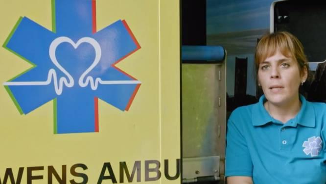"""Sofie rijdt met een wensambulance: """"We laten de laatste wens van terminale patiënten uitkomen"""""""