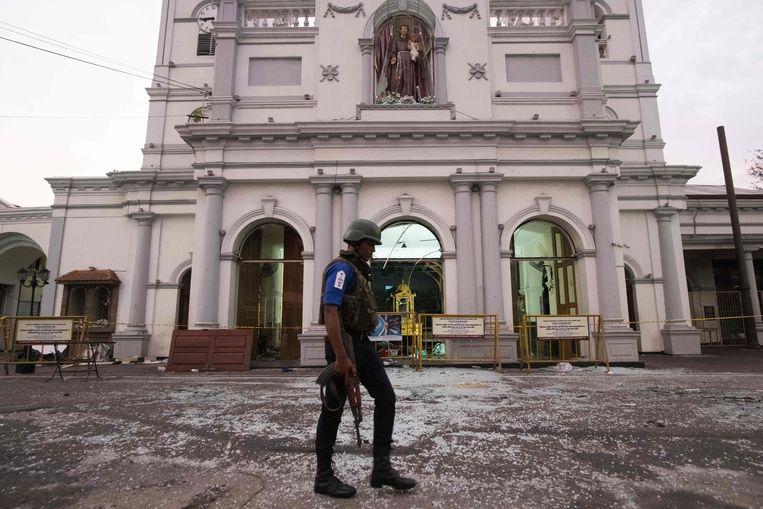 De basiliek Sint Antonius Nationaal Heiligdom in Colombo wordt eveneens bewaakt. Beeld AFP