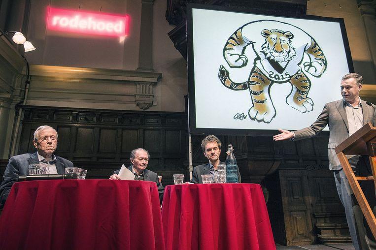 Van links naar rechts: Marcel van Dam, Remco Campert, Jean-Pierre Geelen en Philippe Remarque Beeld Guus Dubbelman