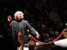 Elburgse dirigent Leusink onderneemt stappen tegen tv-programma Brandpunt+