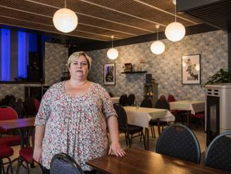 """Café-uitbaatster moet na openingsweekend al meteen sluiten door nieuwe maatregelen: """"Politiek hangt strop rond onze nek"""""""