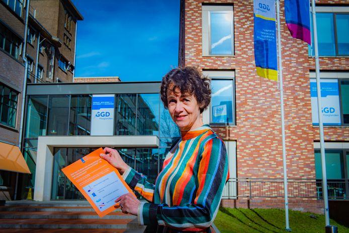 """Annette de Boer, directeur GGD Haaglanden: ,,Het devies blijft: vermijd drukke plekken, houd 1,5 meter afstand en was vaak je handen."""""""