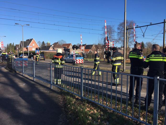 De politie is druk met de nasleep van de botsing op het spoor in Oss.