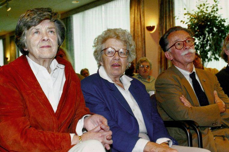 De hoofdrolspelers van de Kinderboekenweek van 1990 op een rij. Vlnr: Fiep Westendorp, Annie M.G.. Schmidt en Dick Bruna. Beeld anp