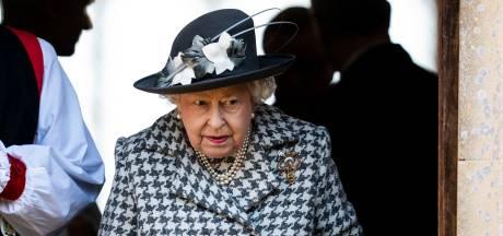 """""""La reine ordonne un Megxit dur"""": la décision d'Elizabeth II saluée par les tabloïds britanniques"""