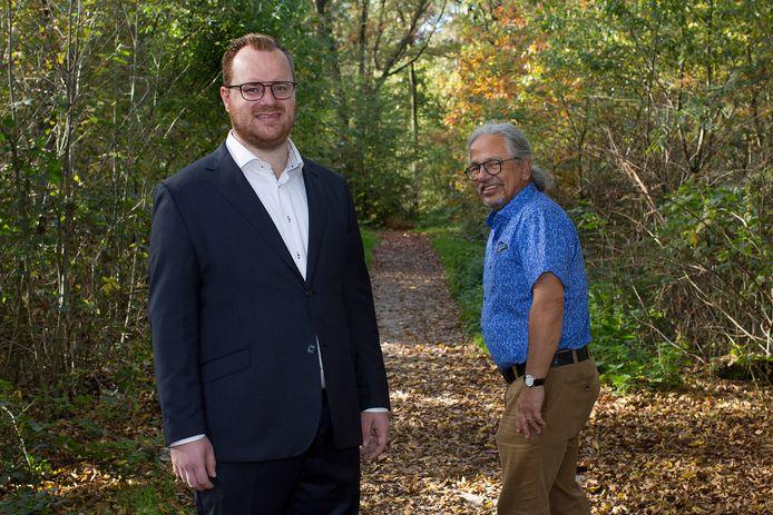 Louis Laros (voorgrond) volgt Peter Flohr op als fractievoorzitter van Pro3 in Loon op Zand.