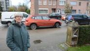 """Bewoners Kasteeldreef gegijzeld door foutparkeerders: """"Het is altijd maar 'voor een paar minuutjes'"""""""