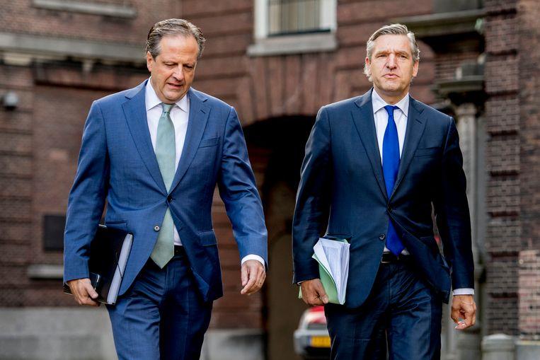 Alexander Pechtold (D66) en Sybrand Buma (CDA) op het Binnenhof. Beeld ANP
