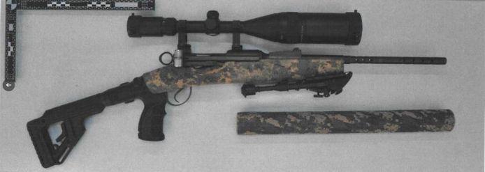 Het geweer dat werd gevonden in de woning aan de Binnenrotte.