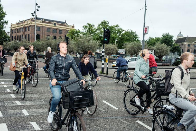 Kruispunt voor fietsers bij het Mr. Visserplein. Beeld Jakob Van Vliet