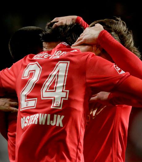 FC Twente-spits Jari Oosterwijk wordt omarmd in zware tijd en keert even terug bij GA Eagles
