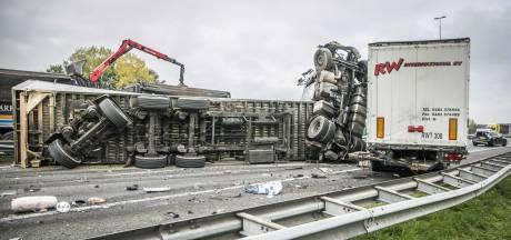 A73 bij Nijmegen nog tot na avondspits dicht door eerder dodelijk ongeval