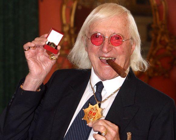 Savile kon bijna 60 jaar onopgemerkt zijn lusten botvieren en maakte honderden slachtoffers.
