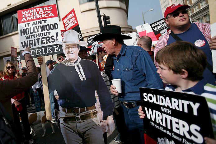 In de antiracistische 'beeldenstorm' die over de wereld rolt, zou de voormalige filmheld John Wayne wel eens het volgende mikpunt kunnen zijn.