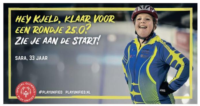 Sara Oud is klaar voor een rondje tegen de olympisch kampioen Kjeld Nuis.