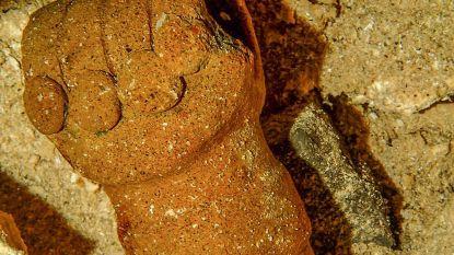 Uitzonderlijke Maya-overblijfselen en beenderen van uitgestorven dieren gevonden in 's werelds grootste onderwatergrottenstelsel
