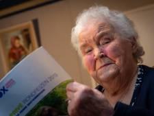 Jo (86) stopt na 56 jaar met spelen bij Oener Toneelvereniging