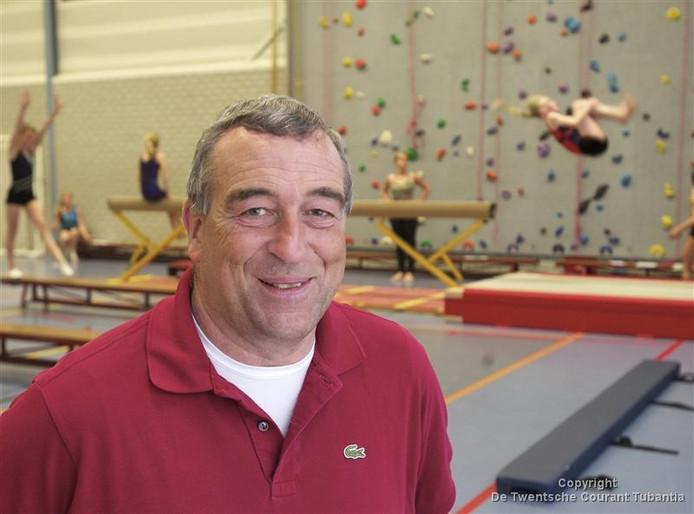 Pieter Oosthoek, voorzitter van de jubilerende gymnastiekvereniging VeK. foto Frank Uijlenbroek