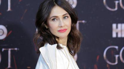 Nederlandse actrice Carice van Houten mag een Emmy uitreiken