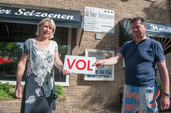 Herman Tomesen runt met zijn vrouw De Vier Seizoenen.