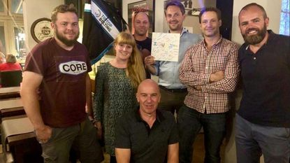 Fietsmarathon naar Noordkaap brengt 10.000 euro op voor kindertehuis