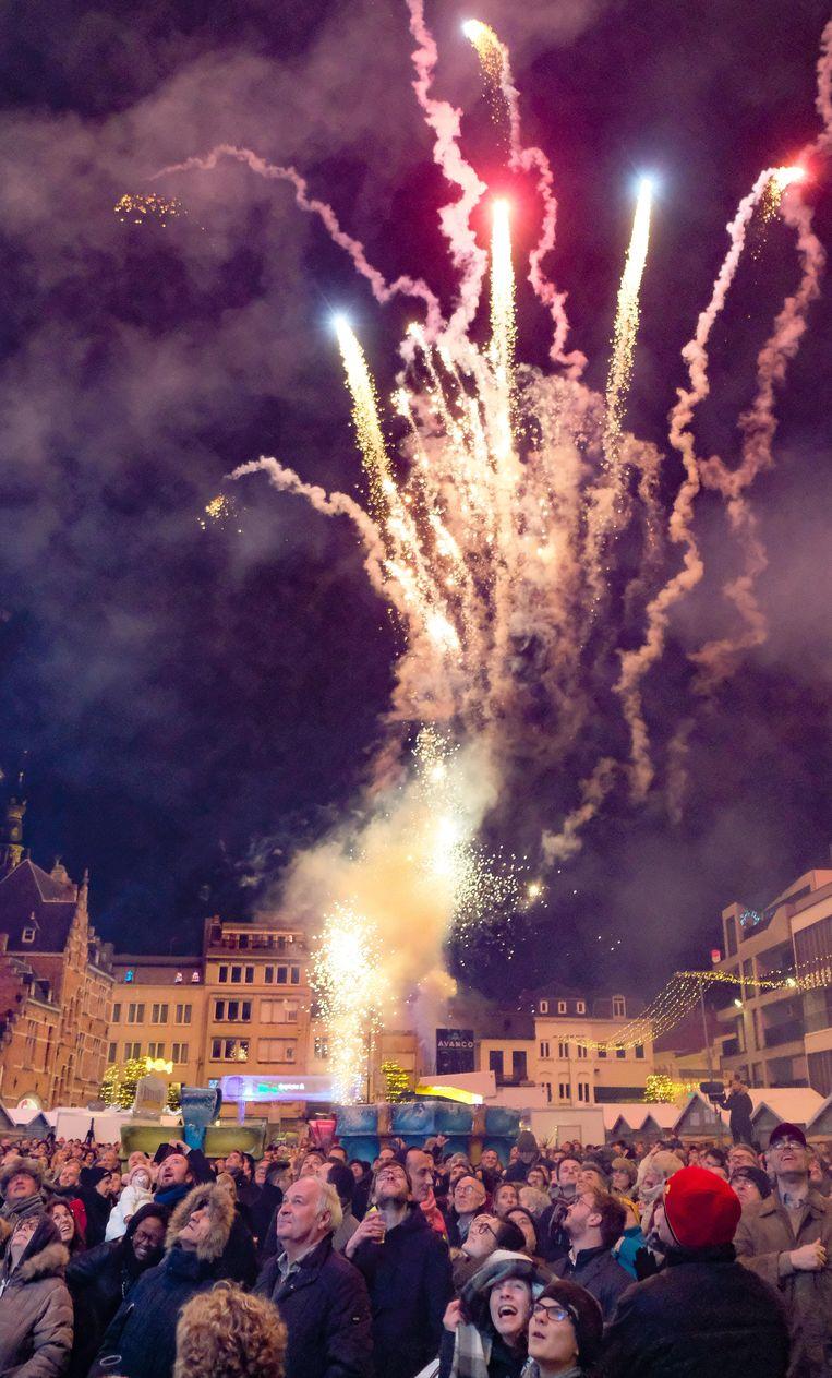 Onder meer in Kortrijk brengt de jaarlijkse nieuwjaarsreceptie altijd een massa volk op de been.
