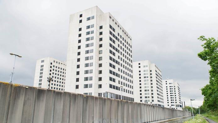 Onder meer in de voormalige Bijlmerbajes komen straks UvA-studenten te wonen