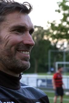 UVV'40-trainer Gabriëls worstelt met trainen op anderhalve meter: 'Ei van Columbus nog niet gevonden'