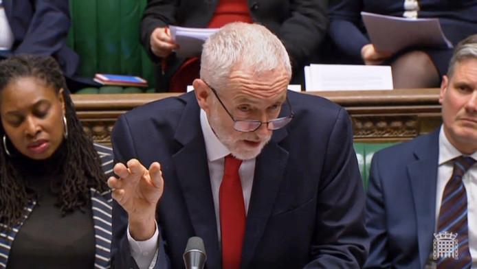 Labourleider Jeremy Corbyn vertelt premier May dat ze zijn steun wel kan vergeten.