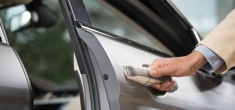Weer 'autovoeler' actief in Bemmel: 'Controleer of uw auto op slot zit'
