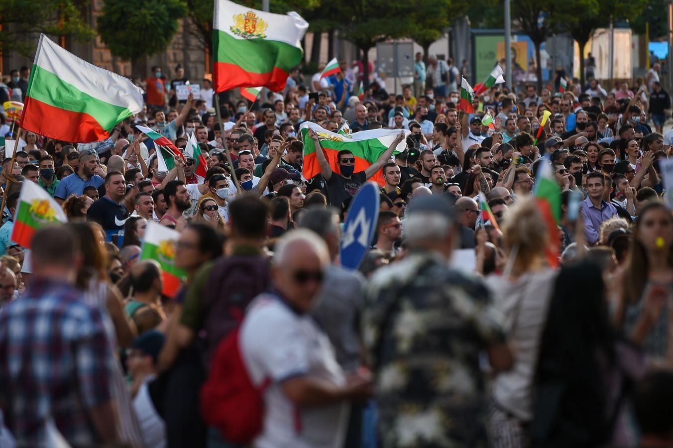 Demonstranten kwamen voor de vierde dag op rij op straat in de Bulgaarse hoofdstad Sofia.